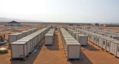 Rakentamme rakennustyömaita kultakaivosten työntekijöille Guineassa